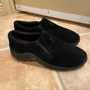 NWOT Nike Air Black Suede Slip On Shoes Size 7